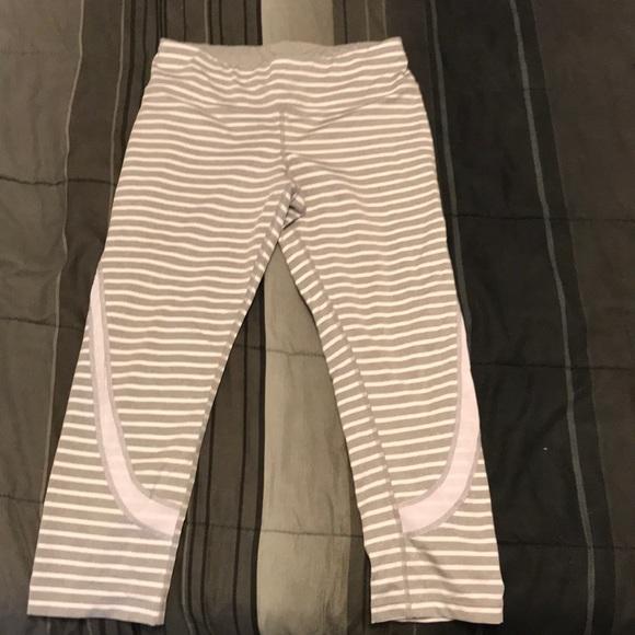 3dc652468bde0 Calvin Klein Pants - Calvin Klein performance wick Capri leggings.